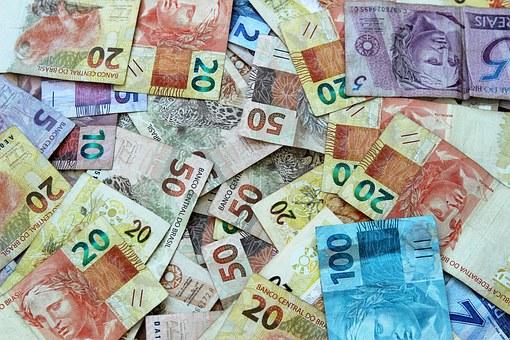 Mekkora összeget fizethetünk készpénzben büntetlenül?